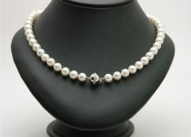 7.5-8mm-Cultured-Pearl-Necklace-with-18k-White-Gold-Diamond-Clasp.jpg