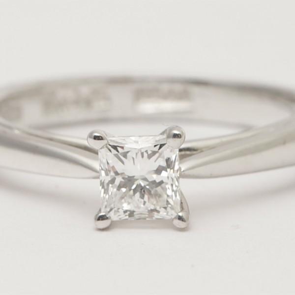 Antique-Platinum-Princess-Cut-Diamond-Claw-Set-Solitaire.jpg