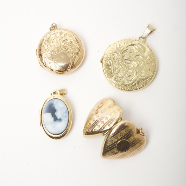 Selection-of-New-Vintage-Gold-Lockets.jpg