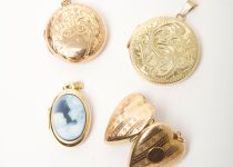 Selection-of-New-Vintage-Gold-Lockets1.jpg