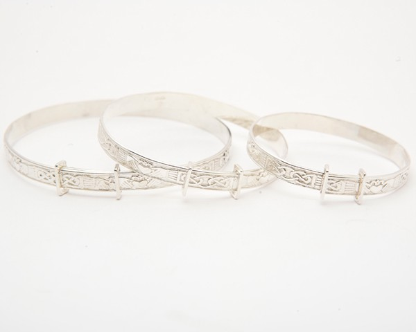 Selection-of-Silver-Baby-Bangles-3-Sizes.jpg