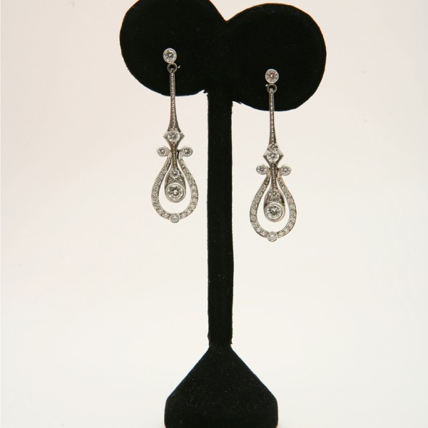 Vintage-18k-White-Gold-Drop-Earrings-set-with-Brilliant-Cut-Diamonds.jpg
