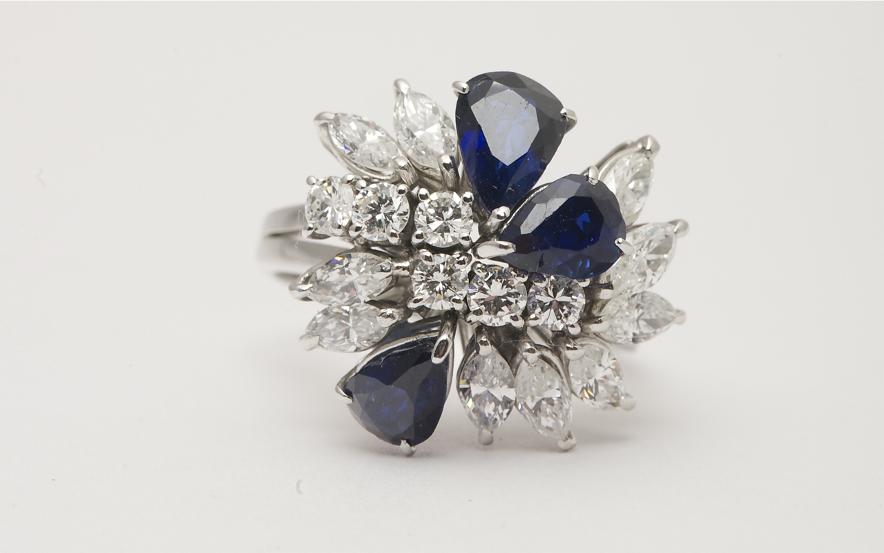 top halo r ring j sapphire style shaped pear