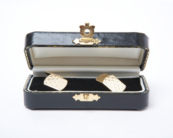 Vintage-9k-Yellow-Gold-Cufflinks-with-Chain-Fitting.jpg